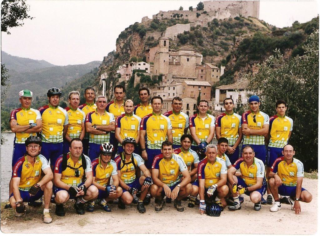 Presentació de la nova equipació. 2003.Penya Ciclista Ribera d'Ebre