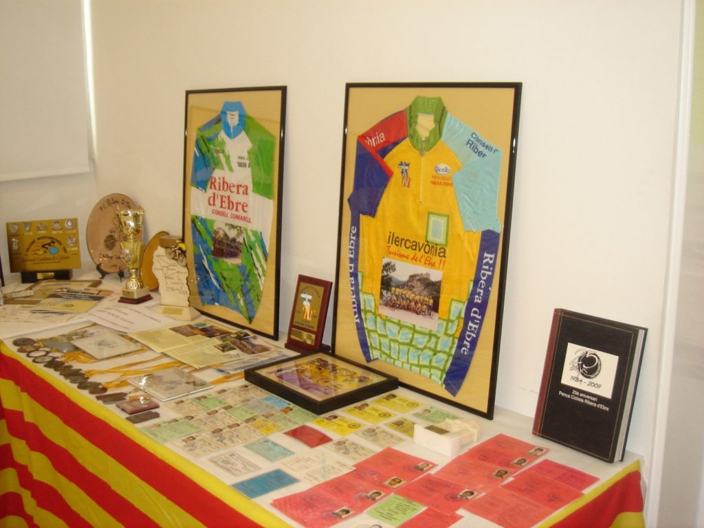Durant la setmana cultural de 2010 es va fer a l'Arxiu Comarcal de la Ribera d'Ebre una exposició per conmemorar el 25è aniversari de la Penya