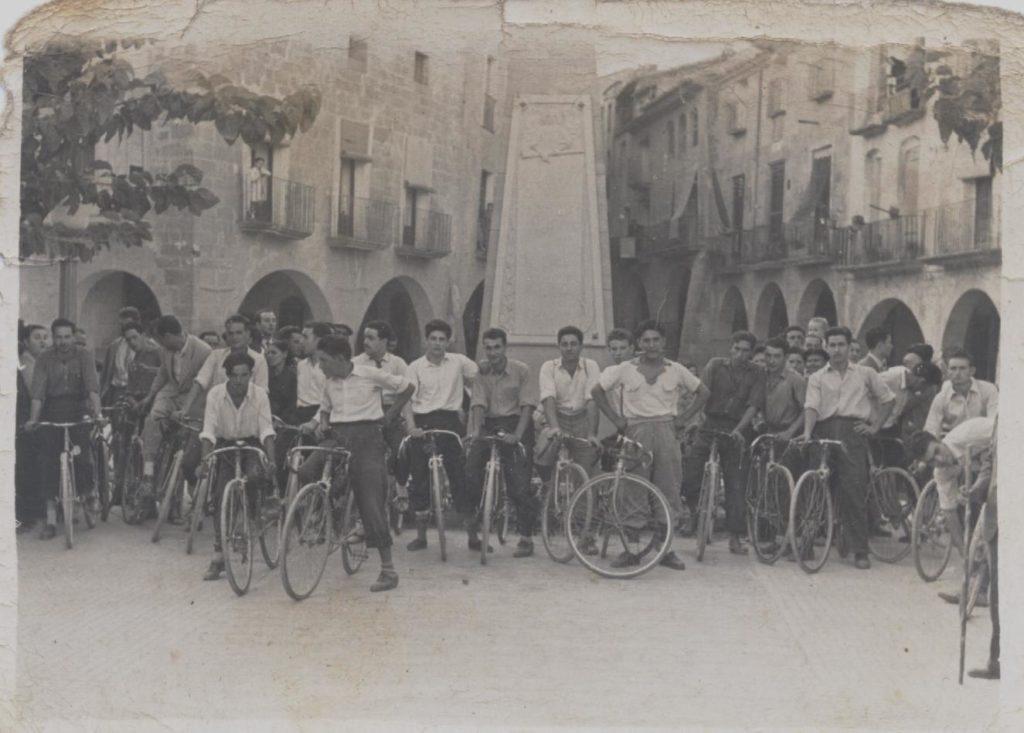 Història Penya Ciclista Ribera d'Ebre Josep Valencia Bellot a una cursa a Batea (Terra Alta)