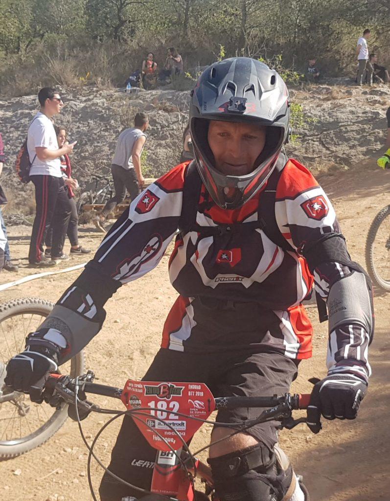 Vicents Pascual de l'equip Riberabike Gravity Team a l'Endubitem 2019