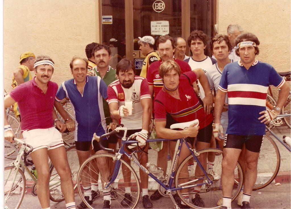 Ciclistes de La Ribera d'Ebre als anys 80.