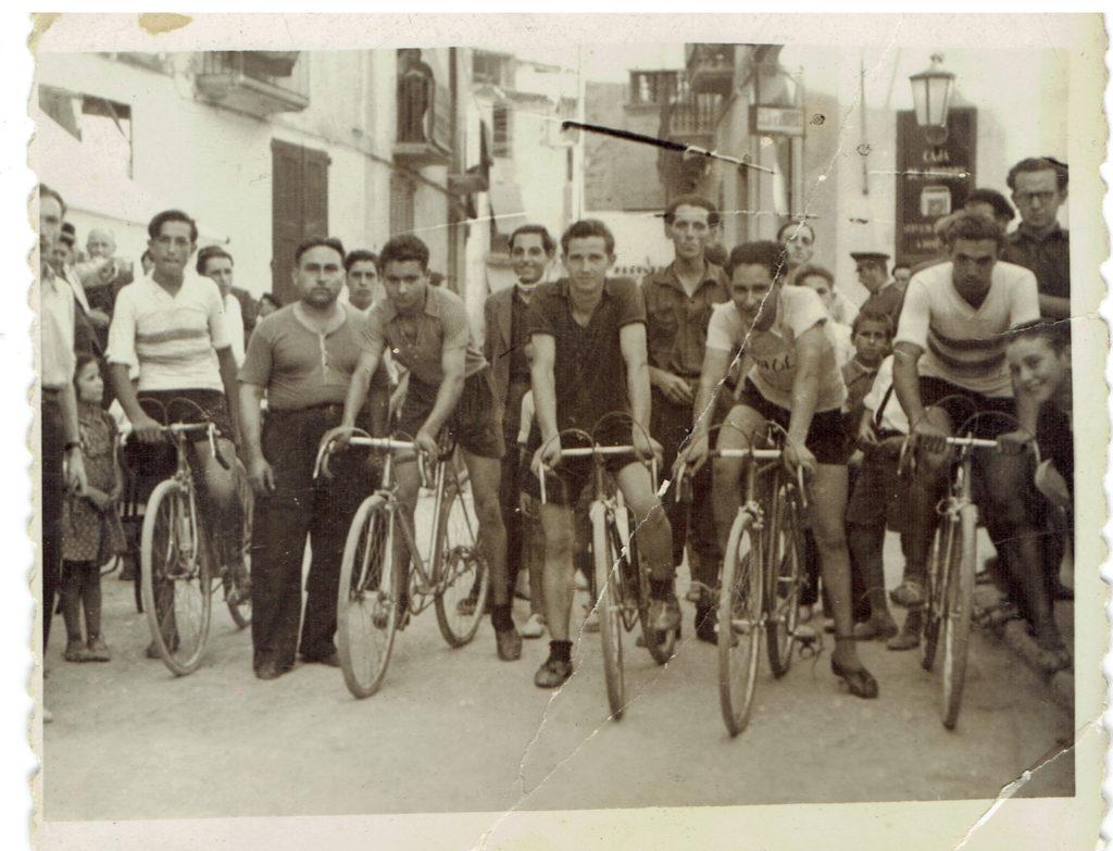 Història de la Penya Ciclista Ribera d'Ebre Cursa a Móra d'Ebre organitzada per Baptista Garí