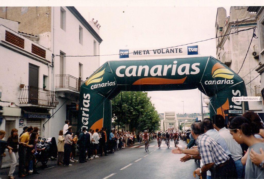 22 de setembre 2001. Meta volant a Móra d'Ebre de la Vuelta Ciclista a España. Etapa Tarragona-Vinaroz.