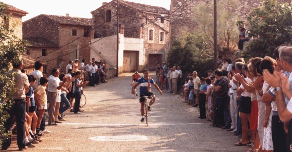 1985 cursa a Darmós.