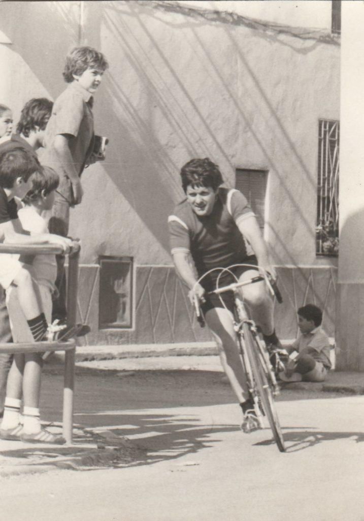 1982 Francesc Roca cursa a Benissanet